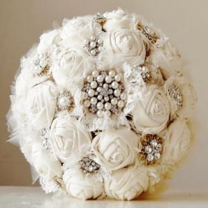 Buquê de noiva luxo com flores de tecido